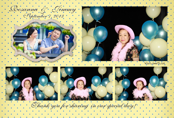 photo booth with balloons